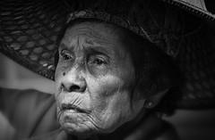 The life (frank.gronau) Tags: white black weis schwarz alt woman frau bangkok alpha sony gronau frank