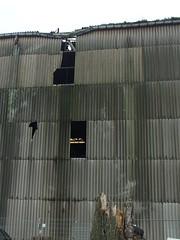Luftlöcher (mkorsakov) Tags: dortmund nordstadt hafen wand wall loch hole damage schaden grau grey friederike
