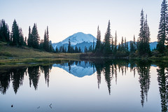 Tipsoo Lake/Naches Peak Loop (Laura Jacobsen) Tags: fallcolor hiking mtrainier mtrainiernationalpark nachespeakloop sunset tipsoolake washington