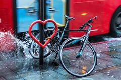 Love your bike (DavidHowarthUK) Tags: london bishopsgate streetphotography rain sigma50mm14art december 2017 bus splash heart