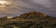 La cabaña (Luis R.C.) Tags: bardenas navarra paisajes viajes nikon d610