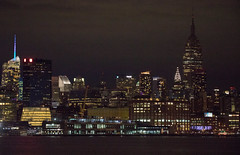 The Empire State Building goes dark to honor the victims of the Marjory Stoneman Douglas High School shooting. (apardavila) Tags: esb empirestatebuilding hoboken hudsonriver manhattan nyc newyorkcity skyline skyscraper fb