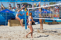 Match 53: Round of 24: USA vs. Russia (cmfgu) Tags: craigfildesfineartamericacom fédérationinternationaledevolleyball internationalfederationofvolleyball fivb swatchfivbbeachvolleyballmajorseries worldtour fortlauderdale ftlauderdale browardcounty florida fl usa unitedstatesofamerica beach volleyball tournament professional sun sand tan athlete athletics ball net court set match game sports outdoors ocean palmtrees women woman bikini rus russia россия kellyclaes kellyreeves anastasiavasinabarsuk