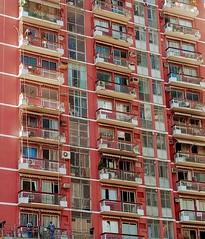 você me vê? (luyunes) Tags: urbano metrópole cidade moradia morar casa apartamento fachada windows janela streetphotography streetshot motozplay luciayunes