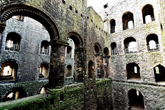 Castle keep up (Geoff Henson) Tags: castle fortress fort walls stone kent medway keep windows turrets ruin