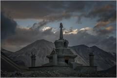 pangong tso lake  2014 (Fermin Ezcurdia) Tags: pangonglake tibetan himalaya shyokriver indusriver tso changla 4250 pangongtso pangongtsolake chemreymonastery hemismonastery lehpalace somagompa namgyaltsemogompa shantistupa sheymonastery staknagompa thiksemonasterymonastery thikse stakna gompa shey stupa shanti soma namgyal leh hemis chemrey ladakh