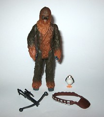 chewbacca with porg star wars the last jedi red and white card basic action figures force link 2017 hasbro porg above bowcaster version variant b (tjparkside) Tags: chewbacca with porg wookie porgs bowcaster weapon weapons rifle star wars last jedi tlj episode 8 eight vii force link basic action figure figures hasbro disney 2017 friday first 1st september activated activation red white card 5poa 5 poa kylo ren top packaging variant variation above version mosc 2