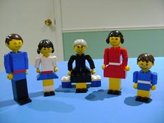 Vintage Lego Family set 200 from 1974 (tekmoc17) Tags: lego vintage set old 1974 complete family homemaker parents children grandmother 200 model figure classic