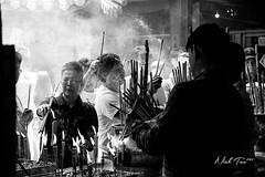 CNY Day01 Praying (akira.nick66) Tags: blackandwhite bnw bw city cny cny2018 pray praying street streetphotography streetview wish