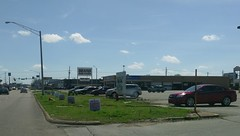 Jonesboro Sears Auto Center, as viewed from Caraway Rd. (l_dawg2000) Tags: 2017closing 60s apparel appliances ar arkansas bedding closing clothing craftsman eddie fixturesale homedécor indianmall jeans jonesboro ksears labelscar liquidation mattresses sears searsholdings shc tools unitedstates usa