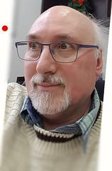 OptiSwiss - Wer hat's gemacht? Die Schweizer Glasspezialisten aus Basel. (eagle1effi) Tags: selfie eagle1effi optiswiss face snapshot reportage effinger erwin fotograf photograph artist künstler swiss made optiker glas glasschleifer brille neue gleitsicht
