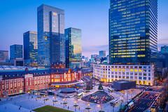 Tokyo (marco ferrarin) Tags: 東京駅 tokyostation kitte jptower cityscape street square builtstructure dusk twilight bluehour modern locallandmark thewayforward capitalcities horizontal tranquil travel traveldestinations tokyo japan finance economy growth development lookingdown station transportation taxi bus illuminated 2018 marunouchi chiyodaward avenue 東京 日本 丸の内 exterioroftheofficebuilding sunset colorimage