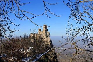 Passo delle Streghe  #sanmarino #torreguaita #montetitano #fortress #view #snow #discoversanmarino #igsanmarino #sanmarinorepublic #volgosanmarino #canon1100d #canonphotography  #canon📷