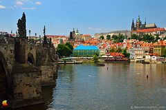 Charles Bridge & Prague Castle (DTB_3327) (masinka) Tags: prague praha vltava river red roofs bridge charles castle city ancient cityscape urban historic statue travel photography europe evropa