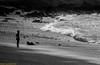 Meditaciòn. Lanzarote, enero 2014. (Jazz Sandoval) Tags: 2014 elfumador españa exterior blancoynegro blanco bn bw black blackandwhite baño boy contraste canarias curiosidad curiosity contraluz contrast contemplaciòn concentraciòn digital day dìa vida gente human humanfamily humano white islascanarias jazzsandoval janubio luz lanzarote light oleaje litoral monocromática monócromo mirada movimiento moving man mar marina meditaciòn negro nero naturaleza niño uno onírico olas portrait people paisaje quieto retrato robados robado sea silueta solo arena playa noiretblanc