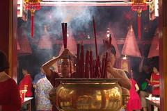 EPSN3203 (nSeika) Tags: chinesenewyear cny2018 jakarta petaksembilan incensestick pray