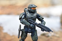 DSC_0254 (TheGame21x) Tags: halo4 halo5 halo actionfigures figures figurines toys dolls nature snow cold videogames games gaming nikon nikond3400 dslr nikonphotographywoodmossbluesoldiermasterchief haloactionfigures bokeh d3400 dslrphotography toyphotography unsc outdoors wooden natural 35mm 35mmlens