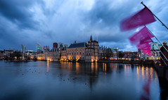 Hofvijver @ The Hague 2018 (zilverbat.) Tags: denhaag thenetherlands bild binnenstad centrum image innercity hofstad hotspot holland hofvijver hofweg binnenhof dutch thehague lahaye postcard longexposurenetherlands stad longexposure urbanvibes urban citytrip tripadvisor travel visit zilverbat lenight nightphotography nightlights nightshot night flags clouds scenery canon city timelife town tourist tourism tour map buitenhof government outdoor ngc