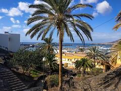 Blick auf den Hafen von Morro del Jable (mohnblume2013) Tags: morrodeljablehafen fuerteventura hafen fähre schiffe yachten