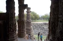 Le temple de Sūrya de Modhera dans le Gujarat en Inde (voyagesphotos) Tags: asia asie india indian inde modhera sun soleil temple sūrya gujarat architecture sculpture chalukya hindou hindu hinduism hindouïsme