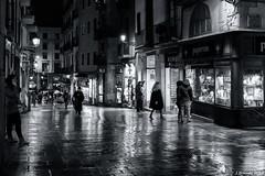 Baixada de la Llibreteria (j.borras) Tags: night black white blackandwhite street photography barcelona flashofred2018