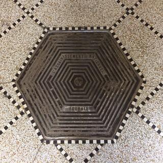 'La Piscine' Access Hexagon