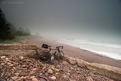 Beyond The Shrouded Horizon (ianrwmccracken) Tags: stone rock bicycle nikon east mist wemyss specialized bike shore tricross west grey tide ianmccracken water wave obscured fog coast cycling sea d40x
