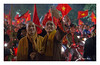 SHF_2364_Vietnam's Finest Moments (Tuan Râu) Tags: 1dmarkiii 14mm 100mm 135mm 1d 1dx 2470mm 2018 50mm 70200mm canon canon1d canoneos1dmarkiii canoneos1dx chândung hanoi monks nhàsư cờ flags người vietnamsfinestmoments vietnam happy tuanrau tuan râu tuấnrâu2018 httpswwwfacebookcomrautuan71