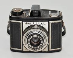 Felita (pho-Tony) Tags: photosofcameras felita 6x6 6cmx6cm roll film 120 rollfilm medium format mediumformat box boxcamera german germany 1950s 1955 simple cheap