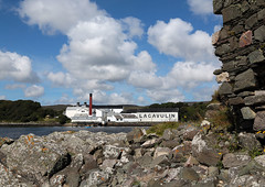lagavulin (laird.lothar) Tags: distillery schottland scotland whisky islay island coast clouds buildings destillerie