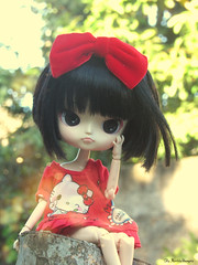 Anna ♥ (♥ MarildaHungria ♥) Tags: anna dal puki pooka groove doll nature outside outdoor dress hellokitty bow red kawaii cute