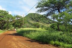 trailhead-parking-lot-koko (quirkytravelguy) Tags: koko crater hike oahu hawaii