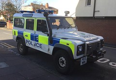 5911 - Merseyside - PE13 MWK - 28167280 (Call the Cops 999) Tags: uk gb united kingdom great britain england north west 999 112 emergency service services vehicle vehicles 101 police constabulary policing law and order enforcement merseyside southport station sunday 25 february 2018 land rover defender pe13 mwk battenburg lightbar
