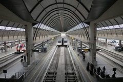 Estación del AVE de Santa Justa en Sevilla (joseange) Tags: altavelocidadespaña ave estaciónferrocarril sevilla andalucia españa lumix lx15