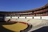 Les arènes (hans pohl) Tags: espagne andalousie malaga bâtiments buildings arènes arenas banc