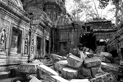 Ruins at Angkor Wat Cambodia (Dave Russell (1 million views thanks)) Tags: black white bw mono monochrome temple ruin ruins religion religious building architecture outdoor angkor ankor wat watt cambodia asia east eastern far travel tourism history historic extraordinarilyimpressive