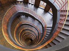downstairs (ingrid.lowis) Tags: hamburg kontorhäuser officebuilding treppenhäuser stairwell sprinkenhof