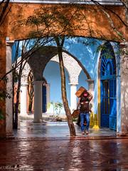 un si beau décor ! (Hélène Baudart) Tags: mexique cancun travailleur couleurs