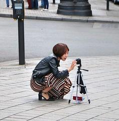 Trafalgar Square Photographer (Waterford_Man) Tags: photographer tourist people path london candid
