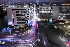 HafenCity (Kai-Uwe Klauss) Tags: hamburg nacht nachtfotografie langzeitbelichtung vonoben elbphilharmonie plaza hafencity strase verkehr lichtspur hh ausblick