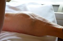 DSC_0043jj (ARDENT PHOTOGRAPHER) Tags: muscular calves flexing muscle legs muscularwoman