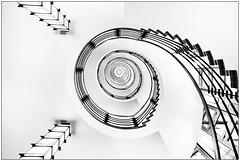 spiral #2 (ingrid.lowis) Tags: architektur brahmskontor hamburg kontorhäuser treppen treppenhäuser stairwell bw monochrom schwarz weis architecture