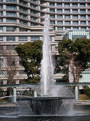 P1010337 (digitalbear) Tags: panasonic lumix g9 pro gvario 45200mm f456 powerois marunouchi otemachi tokyo japan imperial palace birds