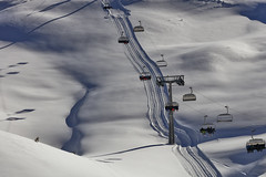 Chairlift (Thomas Mülchi) Tags: 2017 ch cantonofstgallen flumserberg landscape maschgenkamm mountain mountains people person persons switzerland chairlift clear snow snowy sunny winter quarten sanktgallen