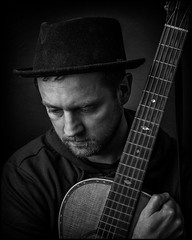 Martin (Christopher Anderzon) Tags: martinekman singersongwriter stockholm musician guitar guitarplayer promopic godox ad600 godoxad600 xt20 fujifilm