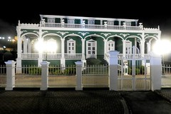 """""""Wedding Cake"""" House in Willemstad, Curacao (Joseph Hollick) Tags: willemstad curacao night nightlights home"""