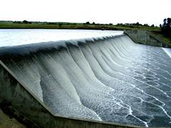 Water patterns (Diepflingerbahn) Tags: colibanriver colibandam kyneton victoria water patterns spillway overflow