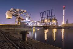 Wilmarsdonkbrug (aantwaarpe) Tags: groen antwerp antwerpen harbour port haven brug crane containercrane kraan rail night lights harbor belgium kade kaai challengeyouwinner