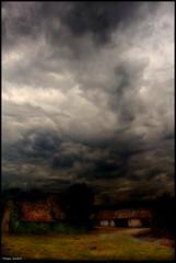 Bazouges sur le Loir (Sarthe) (gondardphilippe) Tags: bazougessurleloir sarthe maine paysdelaloire loir ciel sky rural ruralité orage paysage landscape ngc sundaylights