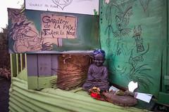 Gardiens de la Paix, Foutez-la nous! Bison Fité, sur la route des Chicanes (D281) de la zad #NDDL, décembre 2016. (ValK.) Tags: bisonfute boudha d281 nddl notredamedeslandes politique valk zad autel cabane ecologie graff graffiti priere routedeschicanes social streetart tag zoneadefendre france fr